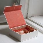 Hướng dẫn làm hộp quà tặng đơn giản từ bìa cứng