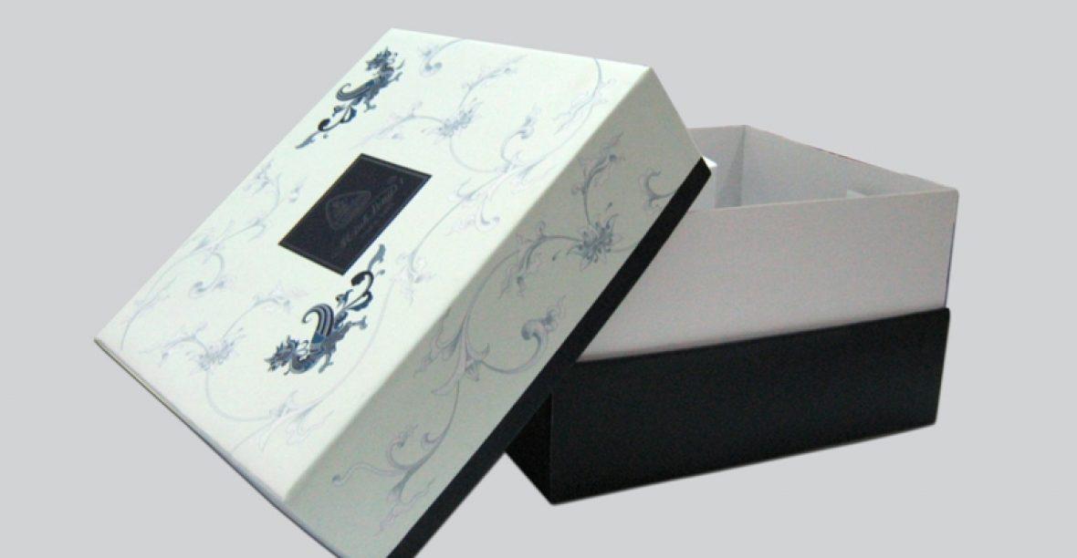 Những công đoạn thực hiện in hộp quà tặng A4