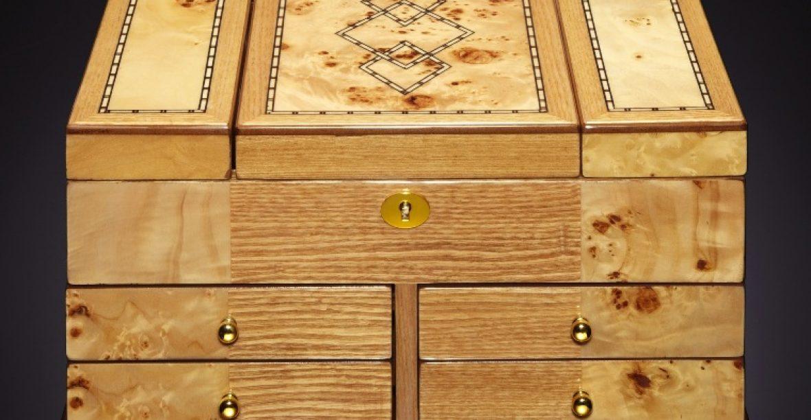 Hộp nữ trang bằng gỗ – Đẳng cấp dành cho các quý cô