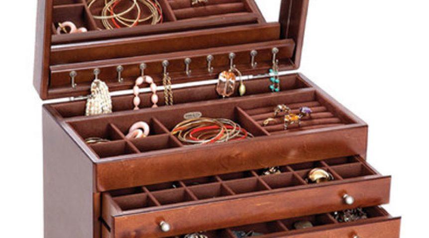 Hộp đựng đồ trang sức cao cấp – món quà ý nghĩa cho chị em
